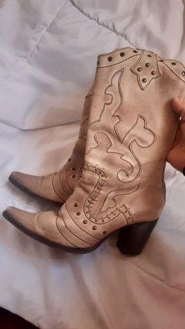 Bota leather upper