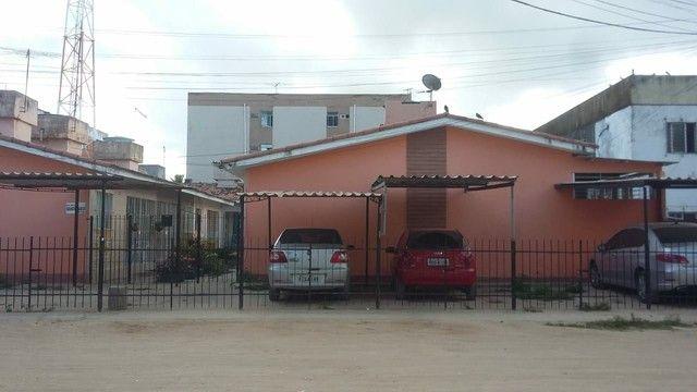 Vendo  ou troco casa condomínio - Foto 3