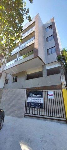 Apartamento Rua Cambauba Frente c/ Varanda