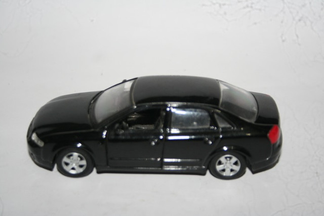 Miniatura de Metal Audi A4 Maísto - Foto 4