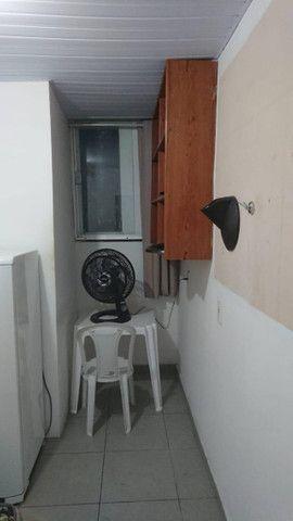 Alugam-se quartos e suítes mobiliadas na pedreira - Foto 6