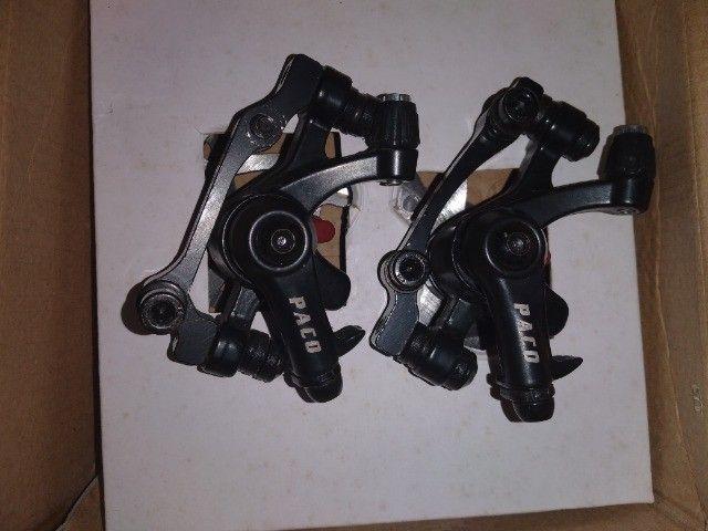 Par de freio a disco mecânico 2 pinças e 2 discos novinho - Foto 3