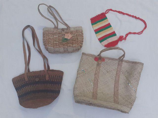 Lote de bolsas artesanais