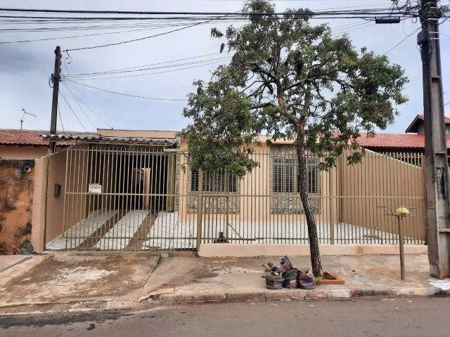 Casa para venda de 04 quartos - Maria Cecília