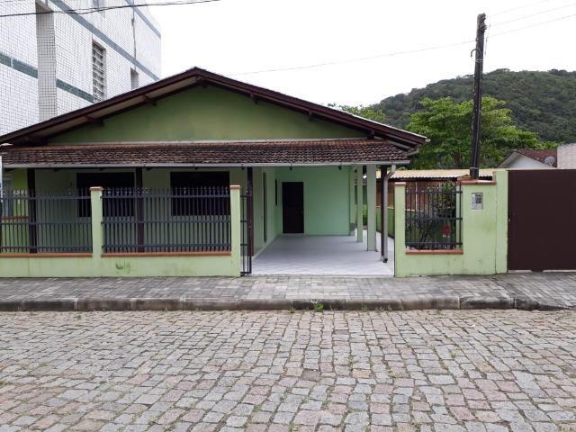 Casa para Temporada a 100 metros da Prainha, em Enseada - SC