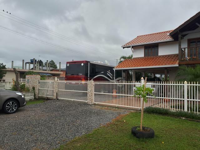 Casa na pinheira com Terr de 630m2 casa 200m2 esquina escritura pública