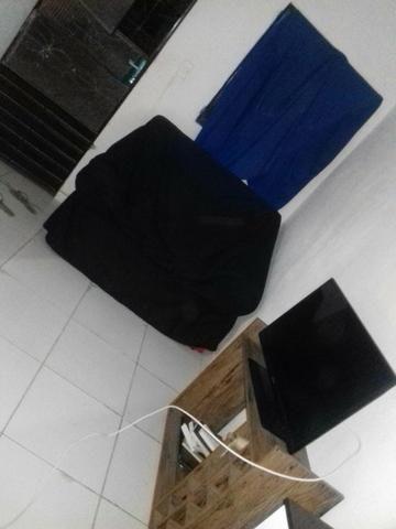 Alugo quarto para moças -