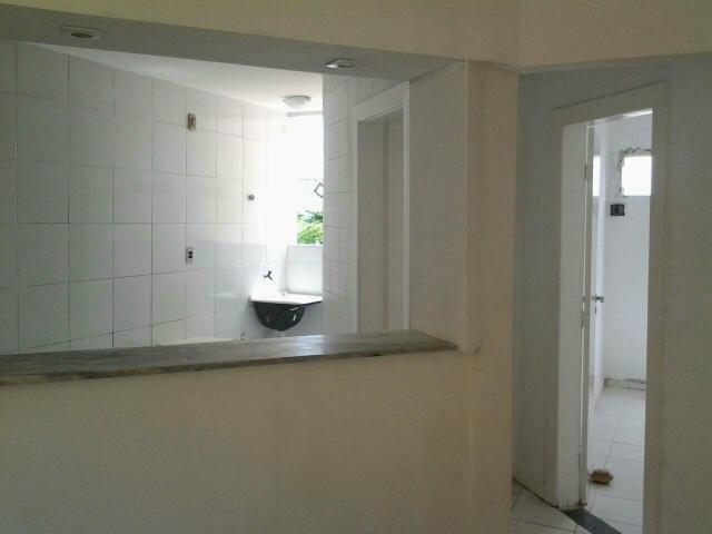 Aluga apartamento 600,00 99880-3570