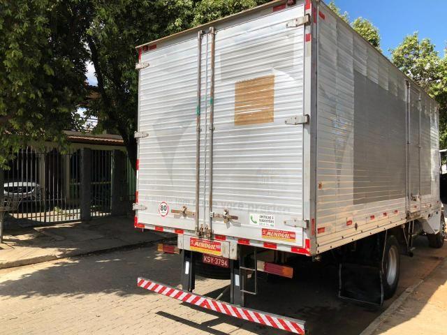 Caminhão baú com serviço agregado - Foto 2