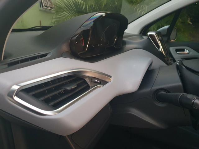 Peugeot 208 - Foto 17