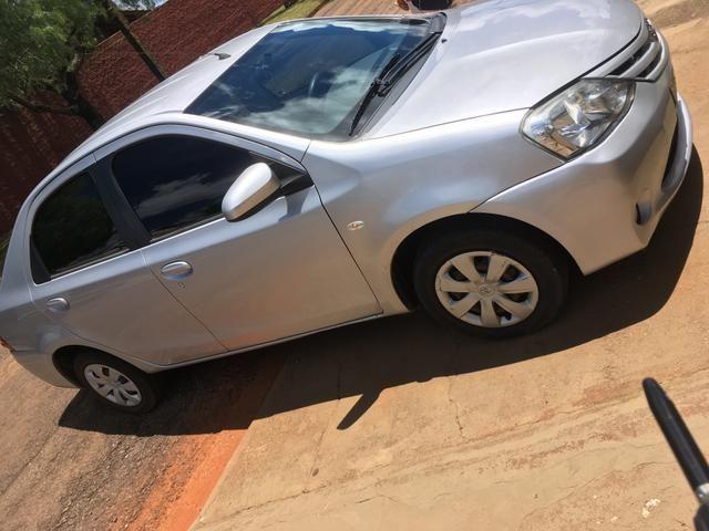 Toyota Etios X Sedan - Foto 3