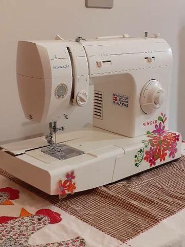 Máquina costura reta caseira