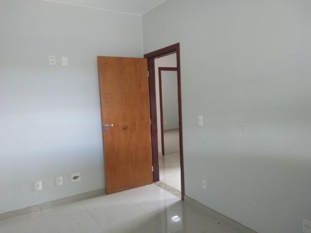 Allmeida vende bela casa com três quartos no Condomínio Mansões Entre Lagos - Foto 16