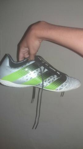Chuteira Society Adidas Artilheira TF - tamanho 43 - Roupas e ... a70ca02eb3736