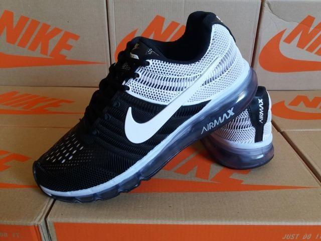 ec112337e Tênis Nike Air - Preto e Branco - Frete Grátis