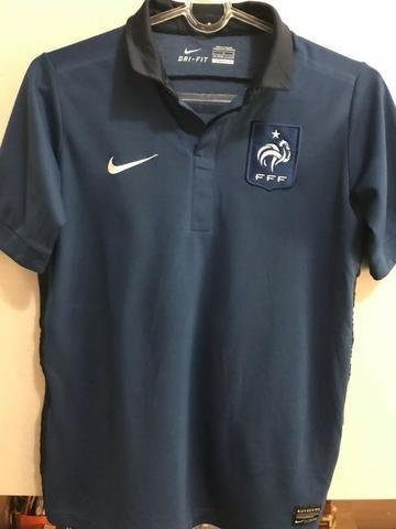 Camisas Franca e de treino oficiais em bom estado - Esportes e ... 53f70bc9dbdb5