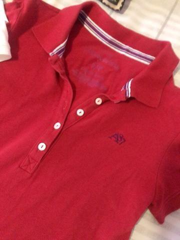 26f2e628de Camiseta Polo Feminina Aeropostale Seminova - Branca ou Vermelha Tamanho P S