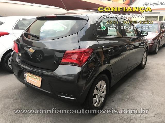 GM / Onix Hatch LT 1.0 8V - Foto 4