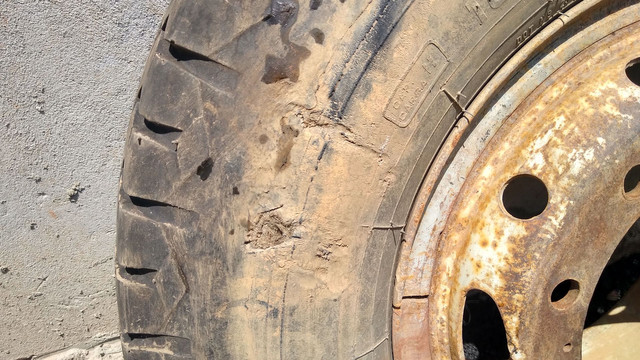 Pneus para caminhão Mercedes Ford Volks caçamba - Foto 3