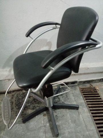 Cadeira Ferrante Riviera em perfeito estado, Semi Nova - Foto 3