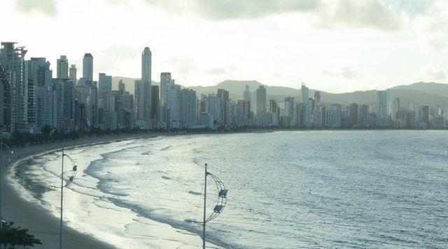 Apartamento Frente Mar Mobiliado e Decorado - Foto 10