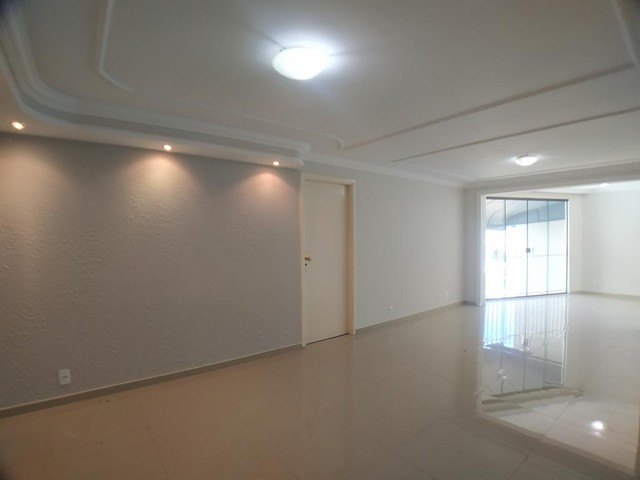 Locação   Apartamento com 112.27 m², 2 dormitório(s), 1 vaga(s). Zona 05, Maringá - Foto 4