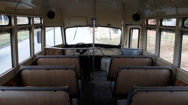 Ônibus antigo Jardineira Chevrolet 1957 - Foto 2