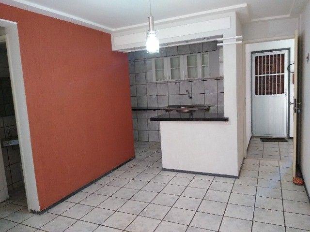Apto TAbapua, Rua Rio Regro, com armários e Ar condicionado - Foto 11