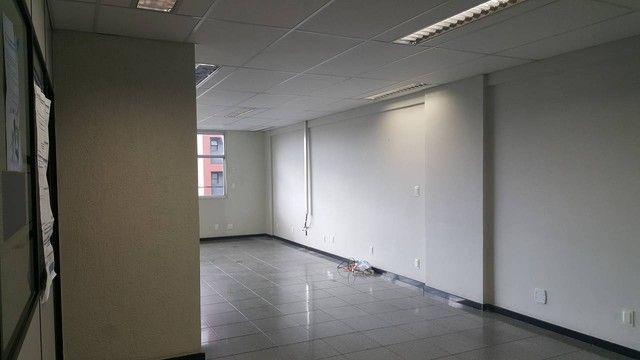Sala/Conjunto para aluguel 85 m2 Santa Luíza (Barro Vermelho -Próx Reta da Penha) Vitória  - Foto 2