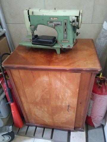 Maquina de Costura com Mesa Original