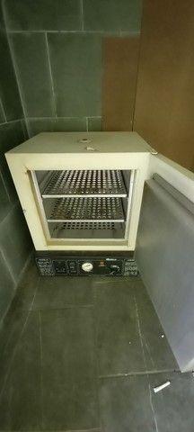 Vendo estufa p esterilização de material - Foto 2