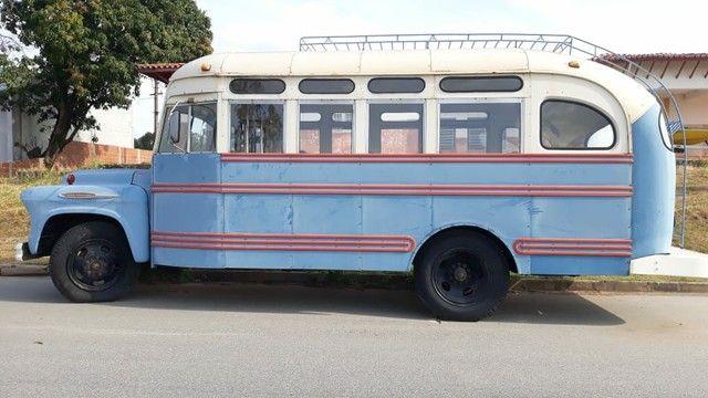 Ônibus antigo Jardineira Chevrolet 1957 - Foto 6
