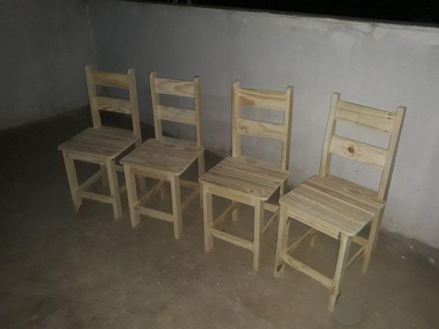 Cadeira de pinus