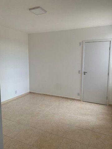 "Alugo apartamento ""novo"" no condomínio "" Jardim de Madri - Bloco com elevador - Foto 17"