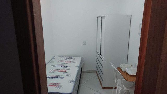 Alugam-se quartos e suítes mobiliadas na pedreira