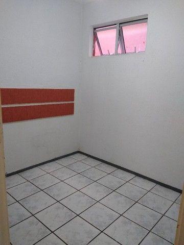 Apto TAbapua, Rua Rio Regro, com armários e Ar condicionado - Foto 12