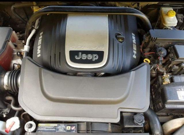 É um Hemi V8 com 326cv - Foto 16