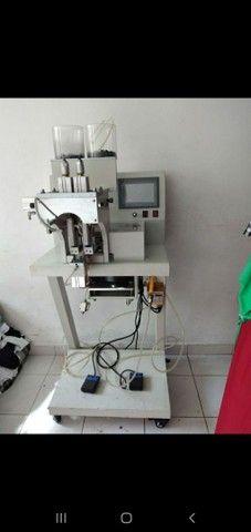 Maquina industrial  para fixar Perola ..