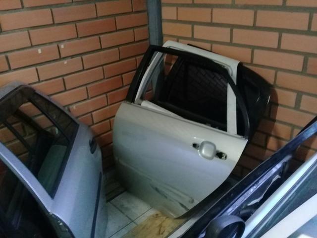 Porta Toyota Corolla traseira esquerda - Foto 4