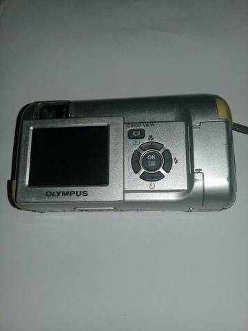 Câmera OLYMPUS C-350