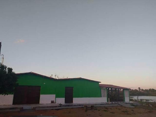 Vendo casa com terreno no centro da cidade de Afonso Bezerra