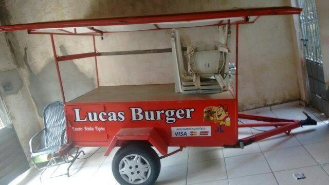 Vendo carrinho de lanche bem conservado . obs : mais informacoes chama no zap : 9400-1853