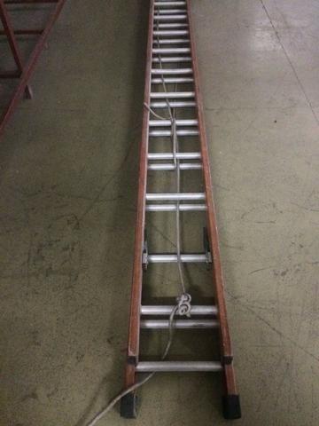 Escada Extensível 5,10 X 9,00 Mts - Fibra De Vidro
