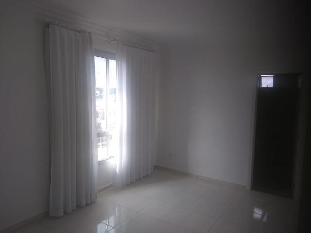 Aluga-se apartamento de 2 suítes na Av Soares Lopes - Foto 3