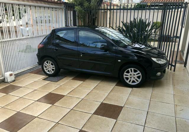 Peugeot 206 4 portas