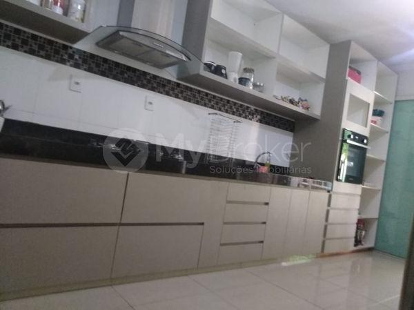 Casa sobrado com 5 quartos na Vila Santa Helena em Goiânia - Foto 17