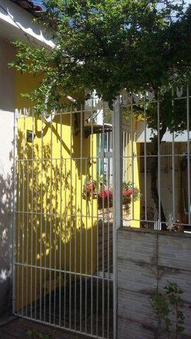 Vendo  ou troco casa condomínio - Foto 4