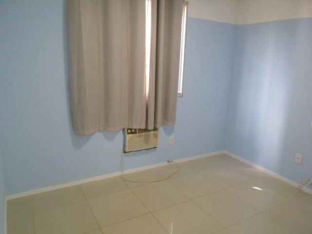 2/4 serviço e varanda, porcelanato, armários e ar condicionado - Foto 10