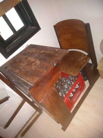 Carteira escolar antiga original madeira - Foto 3