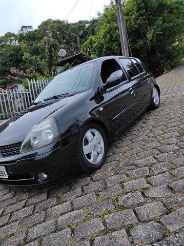 Clio 2004, completo.